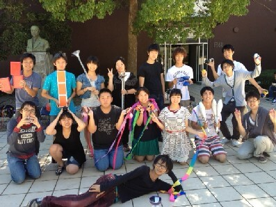 ( C ) 和光大学/和光大学ジャグリングサークル WAP https://www.wako.ac.jp/campuslife/extracurricular_activities/circle25.html